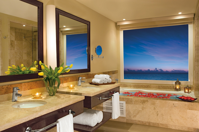 Junior Suite Ocean Front sdb - Now Riviera Jade