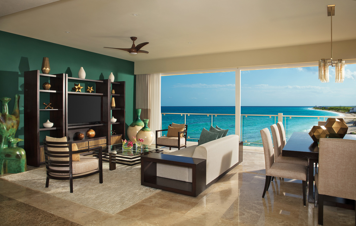 Governor Suite View Preferred Club - Now Riviera Jade