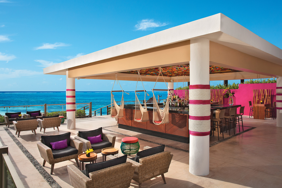 The Mix Beach Bar - Now Riviera Jade